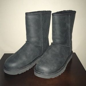 Short woman's  Ugg Boots